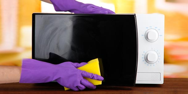 Photo of طرق هامة لتنظيف البوتجاز والميكرويف